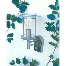 Kinkiet ogrodowy latarnia z czujnikiem ruchu York Stal Brilliant na taras, elewacje i nad drzwi.