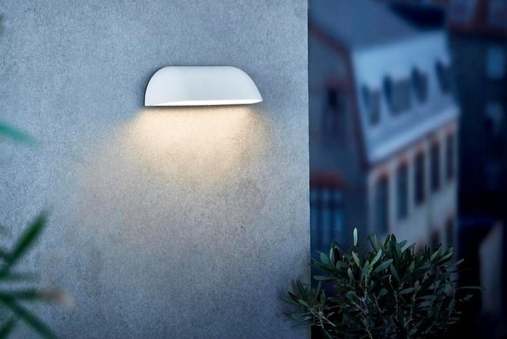 Biały kinkiet elewacyjny Front LED