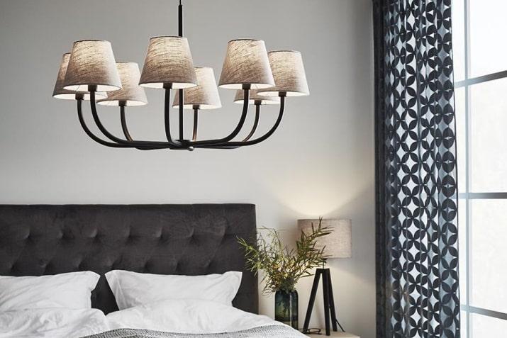 Beżowa lampa klasyczna z abażurami Miljo